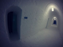 icehotelhallbackpacktobeyond
