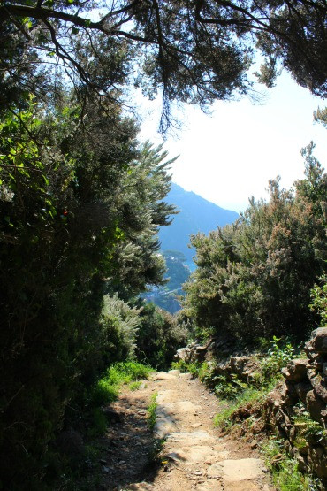 Path from Riomaggiore to Manarola, BackpacktoBeyond