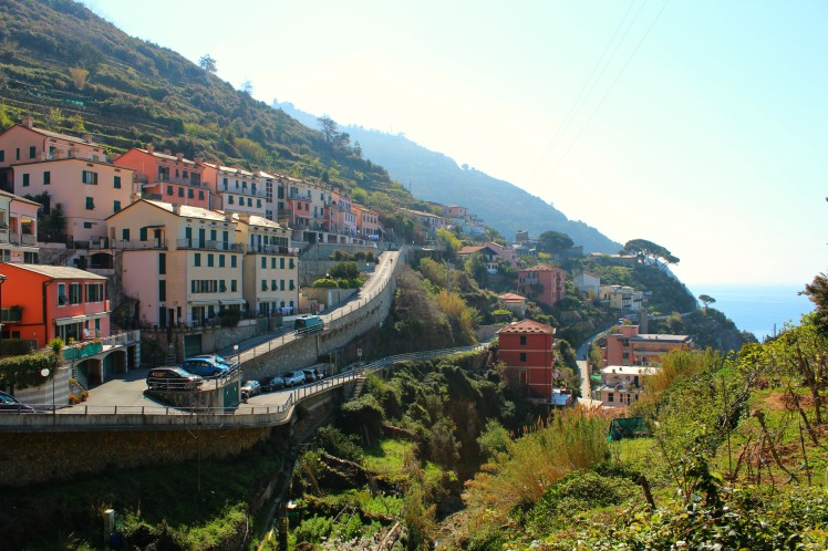 Riomaggiore to Manarola, BackpacktoBeyond